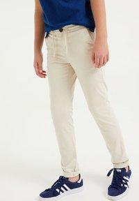 WE Fashion - Chinot - beige - 1