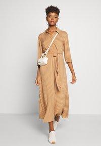 JDY - STARR LIFE - Shirt dress - lion/sandshell - 1