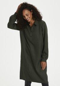 Kaffe - KASENIA - Shirt dress - dark green/ black check - 0