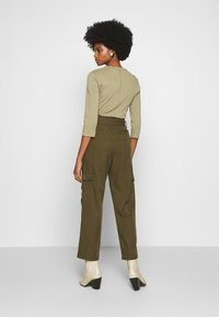 Marc O'Polo DENIM - TURN UP DETAIL - Trousers - summer olive - 2