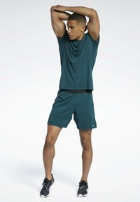 Reebok - RUN ESSENTIALS SPEEDWICK T-SHIRT - Print T-shirt - green - 1