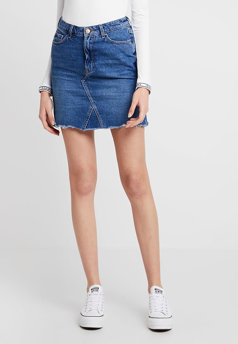 New Look - MOM SKIRT SKITTLES - Spódnica jeansowa - mid blue