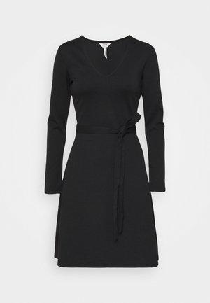 OBJSAVA L/S V-NECK NOOS - Korte jurk - black