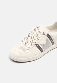 maje - 221FURIOUSGLITTER - Trainers - argent - 7