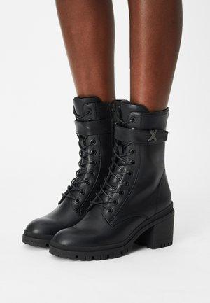 HULDE - Veterboots - black