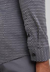 DRYKORN - SOLO - Zakelijk overhemd - dark grey - 3