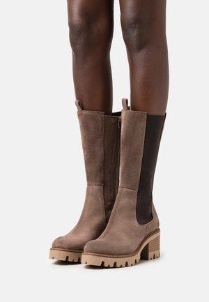 Boots - serraje taupe