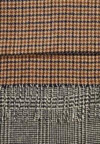 Burton Menswear London - Huivi - grey - 2