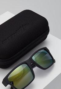Arnette - Sluneční brýle - matte black - 2