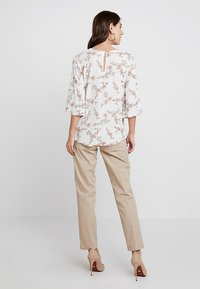 Marc O'Polo - TORNE TAILORED - Trousers - tall teak - 2
