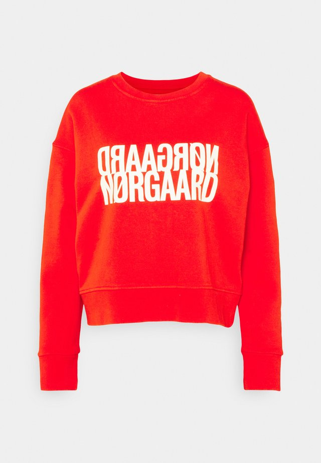 ORGANIC TILVINA - Sweatshirt - fiery red