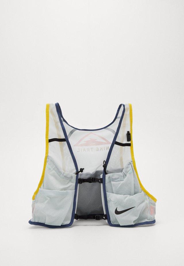 MENS RUNNING TRAIL VEST - Plecak z bukłakiem - aura/diffused blue/speed yellow/black