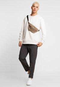Burton Menswear London - WINDOW - Kalhoty - mid grey - 1