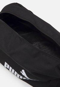 Puma - PHASE SPORTS BAG UNISEX - Sportovní taška - black - 2