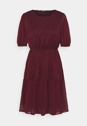 VMKEMILLA DRESS PETITE - Day dress - port royale