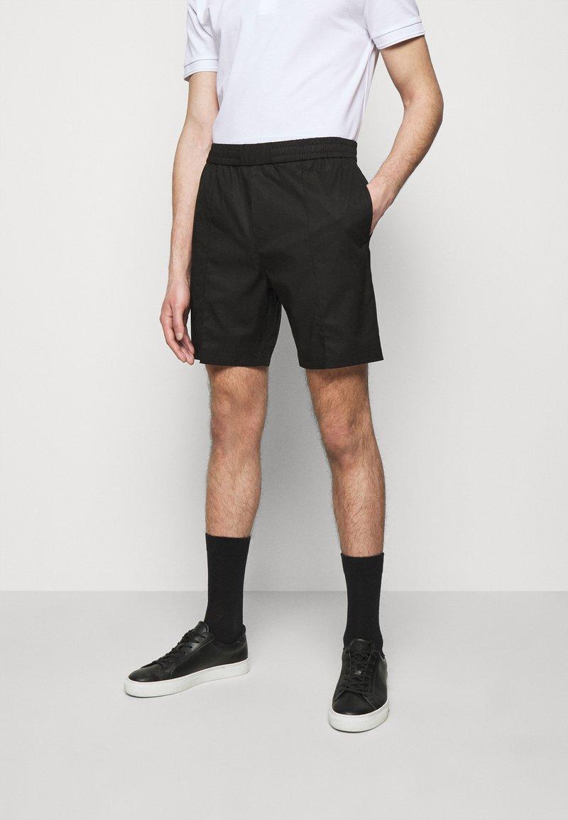 Tiger of Sweden - MAENARD - Shorts - black