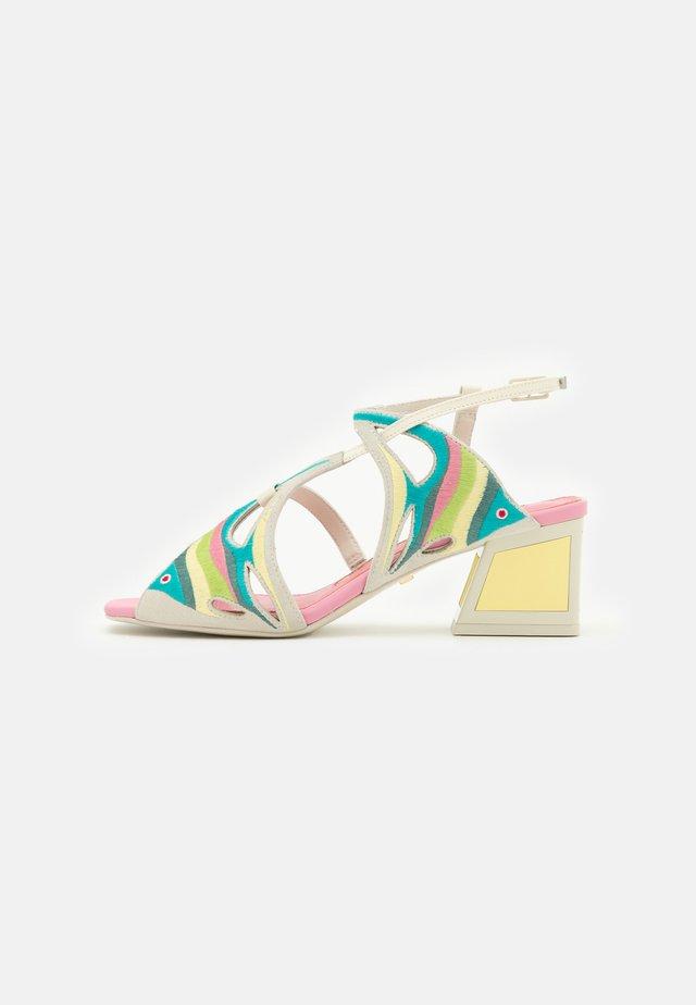 DORY - Sandals - flamingo/lemonade