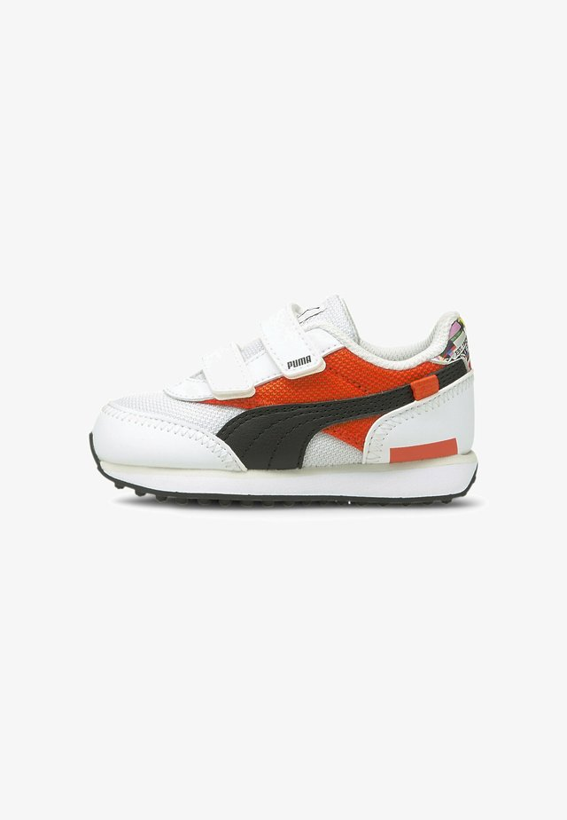 Sneaker low - white-tigerlily