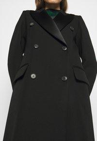 Victoria Beckham - DOUBLE BREASTED TUXEDO COAT - Klasický kabát - black - 4