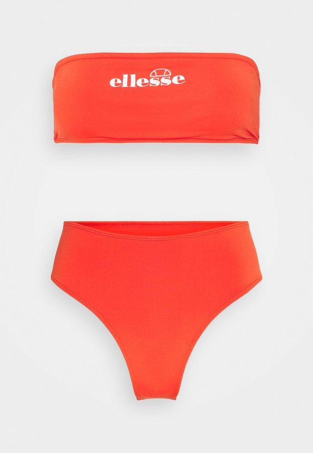 IZZIA SET - Bikinit - red