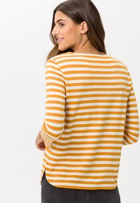 BRAX - STYLE BONNIE - Long sleeved top - butternut - 2