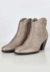 ECCO - SHAPE WESTERN - Ankle boots - warm grey - 2