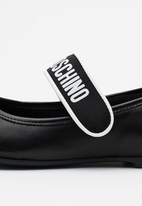 MOSCHINO - Ankle strap ballet pumps - black - 5