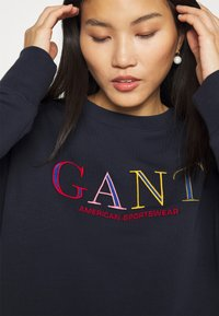 GANT - COLOR GRAPHIC C NECK - Sweatshirt - evening blue - 5
