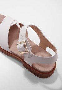 Clarks - Sandals - weißes leder - 6