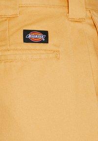 Dickies - 872 SLIM FIT WORK PANT - Chinos - apricot - 2