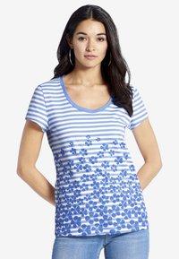 PETER HAHN - Print T-shirt - light blue - 0