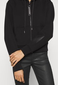 Guess - AKILAH ZIPPED  - veste en sweat zippée - jet black - 4