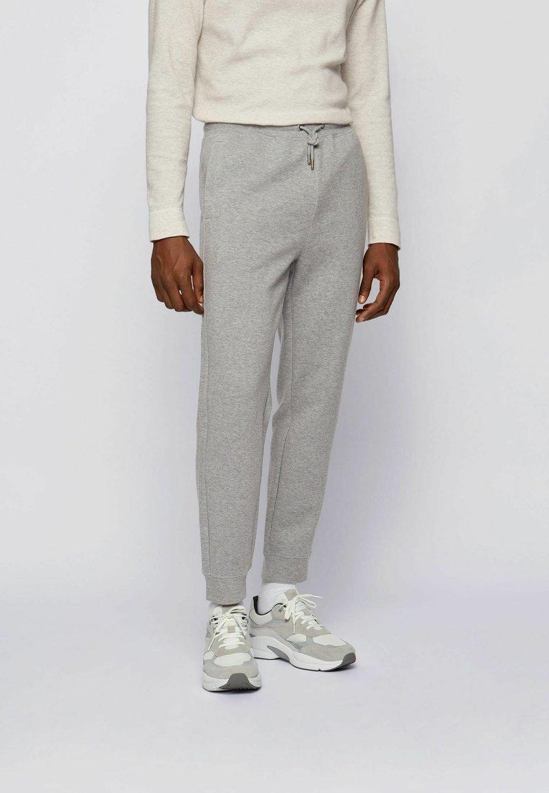 BOSS - Pantaloni sportivi - grey