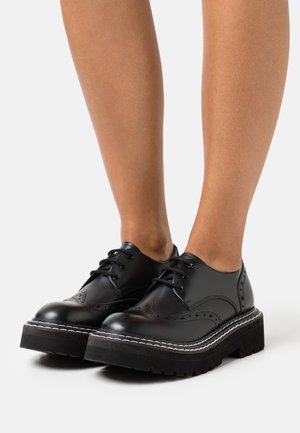 PATROL II BROGUE LACE SHOE - Zapatos de vestir - black