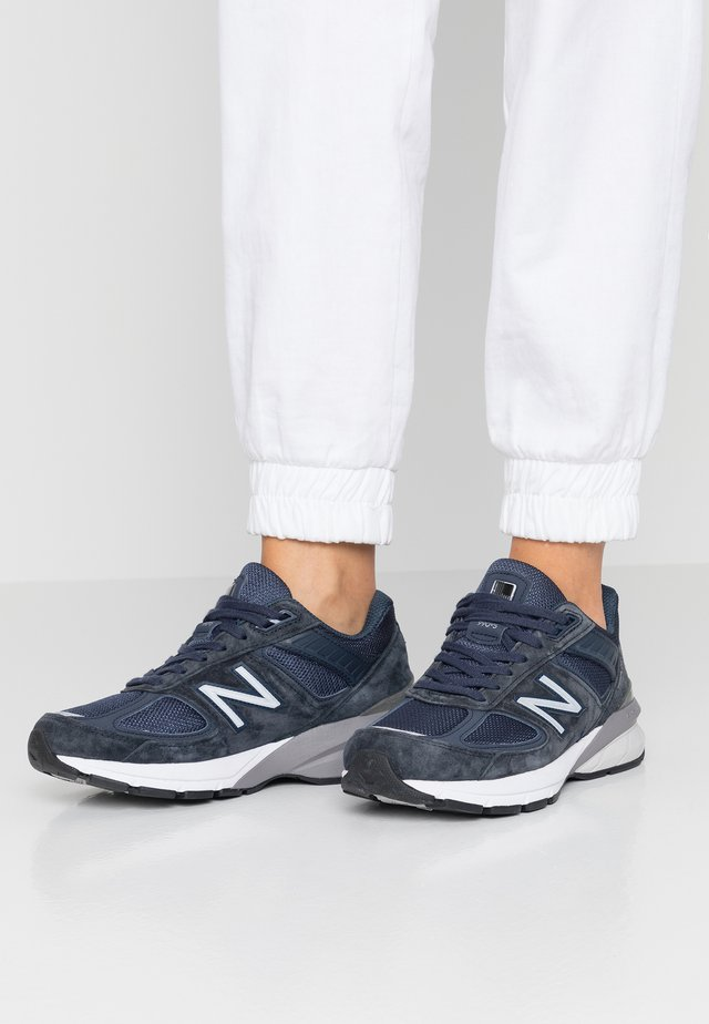 W990 - Sneakers laag - navy/silver