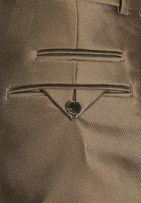 sandro - DANIEL - Shorts - bronze - 2