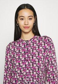 Moves - TANISA DRESS - Kjole - fuchsia purple - 3