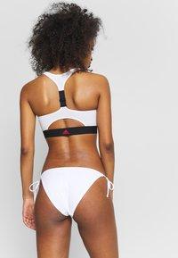 adidas Performance - SH3.RO STRNGR - Bikinitoppe - black/white - 2