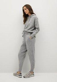 Mango - COSY-I - Teplákové kalhoty - gris medio vigoré - 3