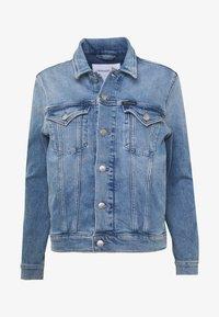Calvin Klein Jeans - FOUNDATION TRUCKER - Denim jacket - light blue - 3