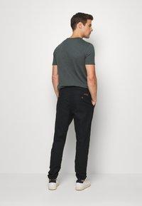 INDICODE JEANS - VIBORG - Pantaloni - black - 2