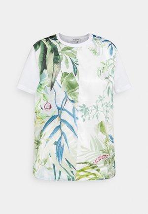 BUDAPEST - T-shirts med print - white