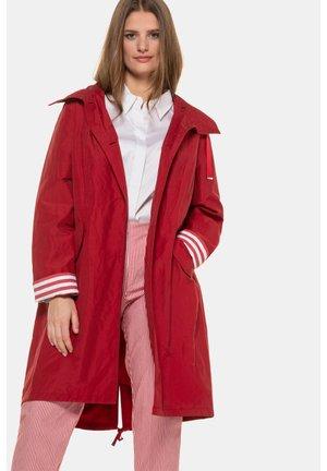 Winter coat - rouge