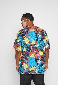 Jack´s Sportswear - FLOWER TEE  - Print T-shirt - rot - 2