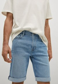Mango - Denim shorts - azul medio - 4