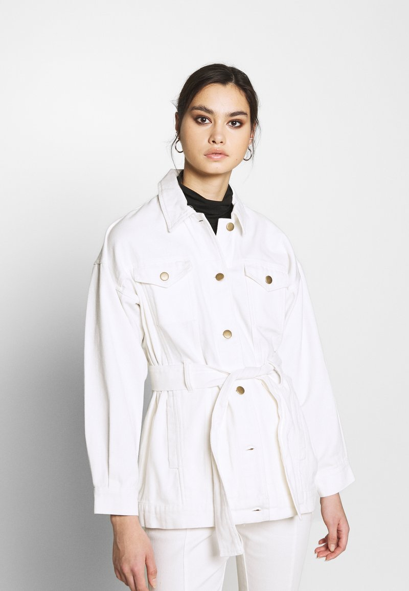 Who What Wear - THE BELTED JACKET - Short coat - white