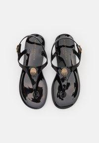 Kurt Geiger London - MADDISON - Sandály s odděleným palcem - black - 4