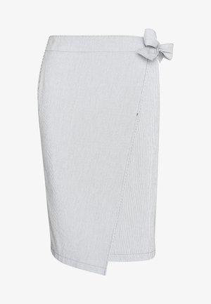Zavinovací sukně - blau/weiß