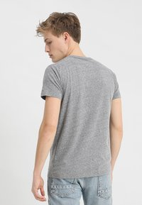 Hollister Co. - ICONIC SOLIDS TEXTURES  - T-shirt med print - light grey - 2