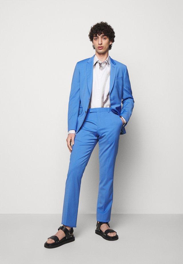 GENTS TAILORED FIT SUIT SET - Costume - light blue